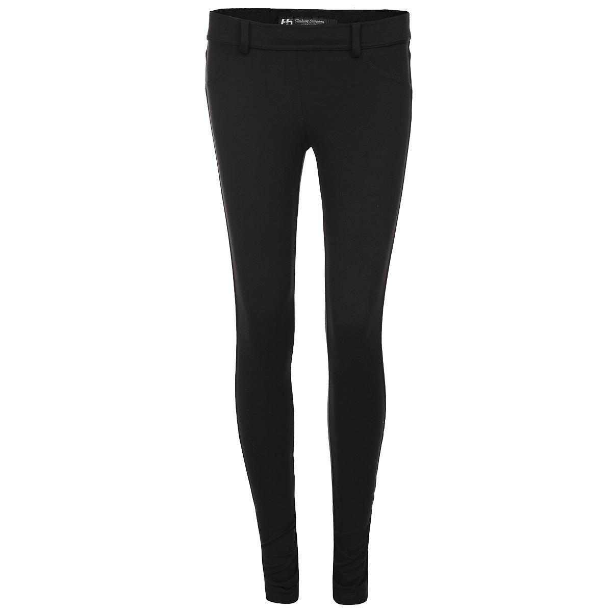 Брюки19195Модные женские брюки F5 изготовлены из плотного трикотажного материала. Брюки облегающего кроя на талии имеют широкую эластичную резинку и имитацию ширинки. На поясе предусмотрены шлевки для ремня. Такая модель выгодно подчеркнет достоинства вашей фигуры. Спереди брюки оформлены имитацией втачных карманов, сзади - двумя накладными карманами. Стильные брюки послужат отличным дополнением к вашему гардеробу, в них вы будете чувствовать себя комфортно и уютно.