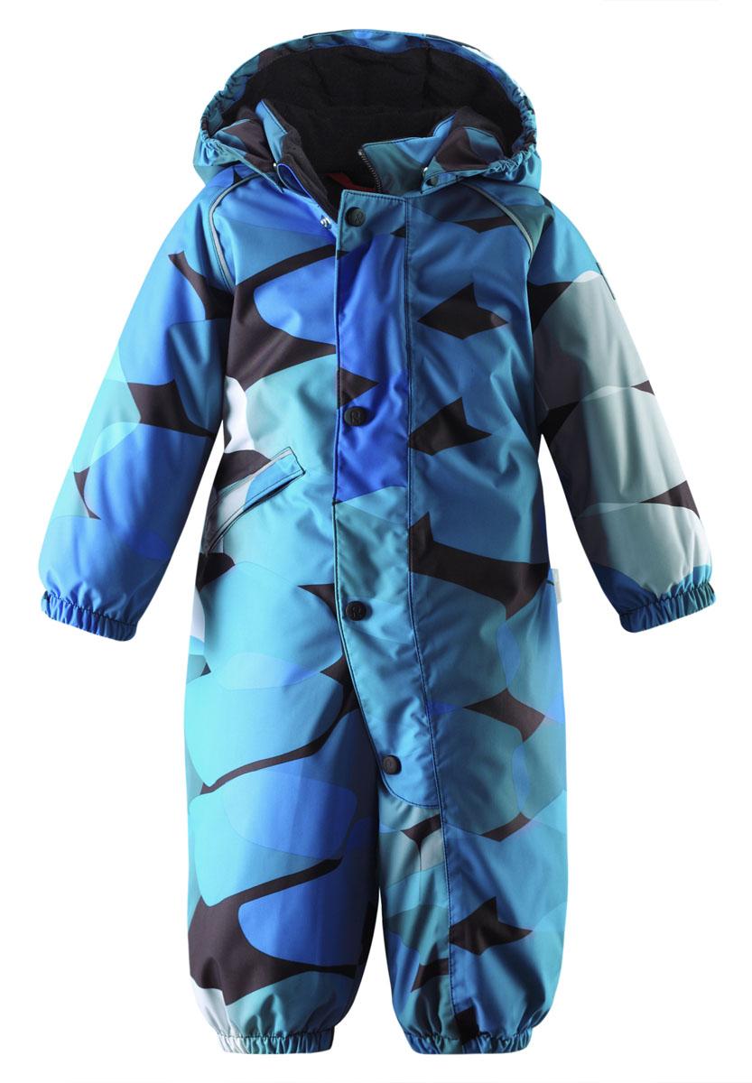 Комбинезон детский Viisu. 510195B510195B_5912Теплый детский комбинезон Reimatec Viisu идеально подойдет для ребенка в холодное время года. Комбинезон изготовлен из водоотталкивающей и ветрозащитной мембранной ткани на подкладке из полиэстера. Материал отличается высокой устойчивостью к трению, благодаря специальной обработке полиуретаном, поверхность изделия отталкивает грязь и воду, что облегчает поддержание аккуратного вида одежды, дышащее покрытие с изнаночной части не раздражает даже самую нежную и чувствительную кожу ребенка, обеспечивая ему наибольший комфорт. Комбинезон с капюшоном застегивается на длинную пластиковую застежку-молнию с защитой подбородка и дополнительно имеет верхний ветрозащитный клапан на кнопках. Капюшон, присборенный по бокам, защитит нежные щечки от ветра, он пристегивается к комбинезону при помощи кнопок. Низ рукавов присборен на эластичные резинки. Мягкая подкладка на капюшоне, воротнике и манжетах обеспечивает дополнительный комфорт. На талии по спинке предусмотрена вшитая широкая резинка....