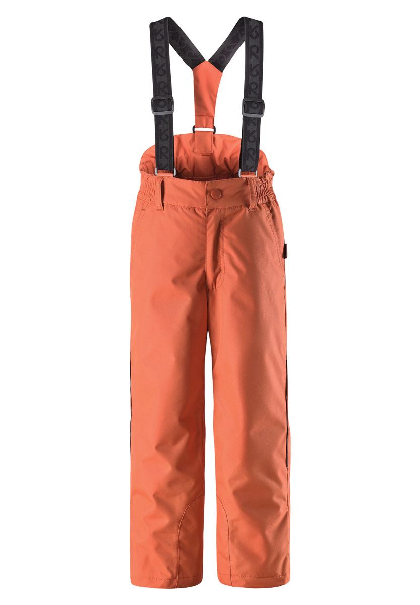 Брюки детские Procyon. 522207522207_2840Теплые детские брюки Reima Procyon идеально подойдут для ребенка в холодное время года. Брюки изготовлены из водоотталкивающей и ветрозащитной мембранной ткани с утеплителем из 100% полиэстера. Материал отличается высокой устойчивостью к трению, благодаря специальной обработке полиуретаном поверхность изделия отталкивает грязь и воду, что облегчает поддержание аккуратного вида одежды, дышащее покрытие с изнаночной части не раздражает даже самую нежную и чувствительную кожу ребенка, обеспечивая ему наибольший комфорт. Брюки застегиваются на кнопку и ширинку на застежке-молнии и имеют съемные эластичные наплечные лямки, регулируемые по длине. На талии предусмотрена широкая эластичная резинка, которая позволяет надежно заправить в брюки водолазку или свитер. Имеются шлевки для ремня. Спереди модель дополнена двумя втачными карманами со скошенными краями. Снизу брючин предусмотрены внутренние манжеты с прорезиненными полосками, препятствующие попаданию снега в обувь и не дающие...
