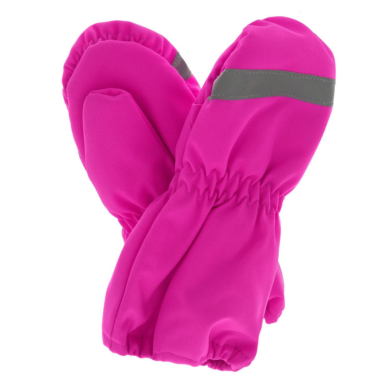 Варежки детские. 717671717671-4450Детские варежки Reima Lassie, изготовленные из мембранной ткани с водо- и ветрозащитным покрытием, станут идеальным вариантом для холодной зимней погоды. Подкладка выполнена из мягкого, приятного на ощупь материала, который хорошо удерживает тепло. Для большего удобства на запястьях варежки дополнены эластичными резинками, предотвращающими попадание снега. С внешней стороны варежки оформлены светоотражающей полоской.