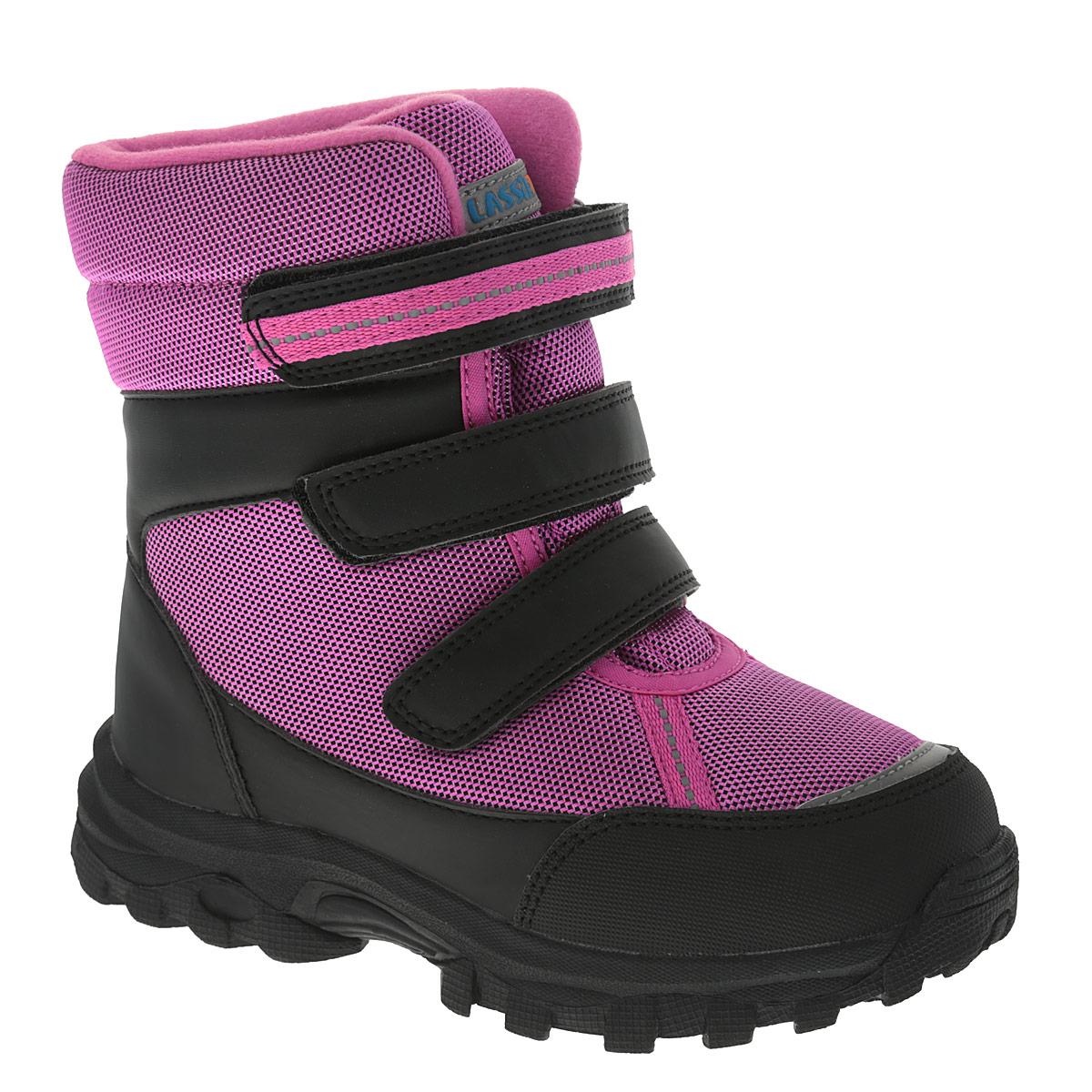 Ботинки детские Lassie Milian. 769087769087-4450Ультрамодные детские ботинки Lassie от Reima - отличная модель для повседневной носки! Непромокаемый верх изделия изготовлен из текстиля со вставками из искусственных материалов. Два ремешка на застежках-липучках, пропущенные через шлевки на подъеме, надежно фиксируют модель на ноге. Светоотражающие детали обеспечивают дополнительную безопасность в темное время суток. Текстильная меховая подкладка с запаянными швами позволит сохранить ноги в тепле. Мягкая стелька комфортна при ходьбе. Термопластичная резиновая подошва с протектором обеспечивает отличное сцепление с любой поверхностью. Удобные ботинки придутся по душе вам и вашему ребенку!