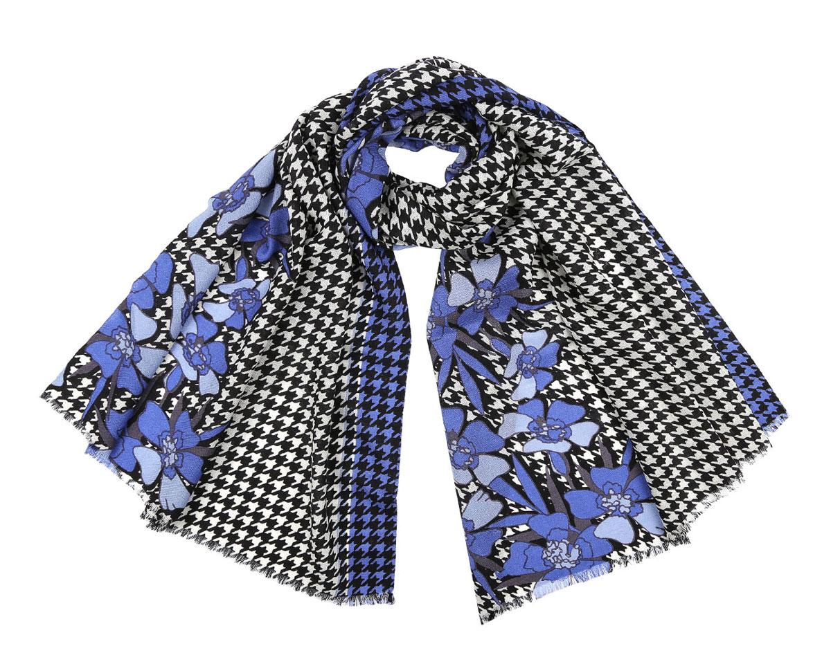 Шарф513308-2Модный женский шарф Leo Ventoni подарит вам уют и станет стильным аксессуаром, который призван подчеркнуть вашу индивидуальность и женственность. Шарф выполнен из 100% шерсти, оформлен принтом в мелкую клетку и изображениями цветов, а также дополнен тонкой бахромой по краям. Этот модный аксессуар гармонично дополнит образ современной женщины, следящей за своим имиджем и стремящейся всегда оставаться стильной и элегантной. Такой шарф украсит любой наряд и согреет вас в непогоду, с ним вы всегда будете выглядеть изысканно и оригинально.