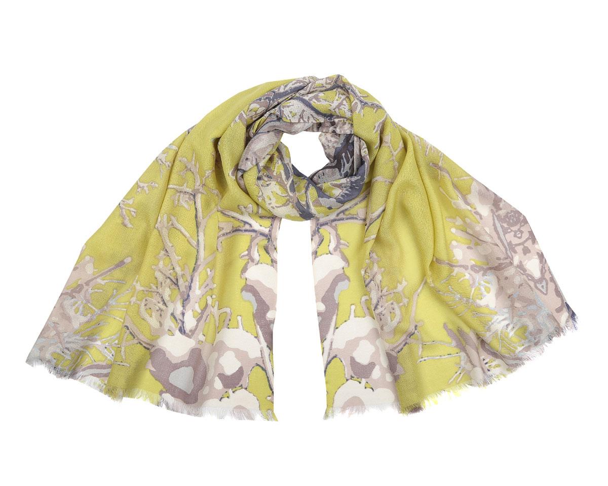 ШарфB217-2Элегантный шарф Fabretti подчеркнет ваш неповторимый образ. Модель легкая с приятной фактурой, изготовлена из шерсти и оформлена оригинальным рисунком, характеризующим ветви дерева. Края модели декорированы бахромой. Этот модный аксессуар женского гардероба проакцентирует верхнюю одежду, относящуюся к любому сезону и гармонично дополнит образ современной женщины, следящей за своим имиджем и стремящейся всегда оставаться стильной и элегантной.
