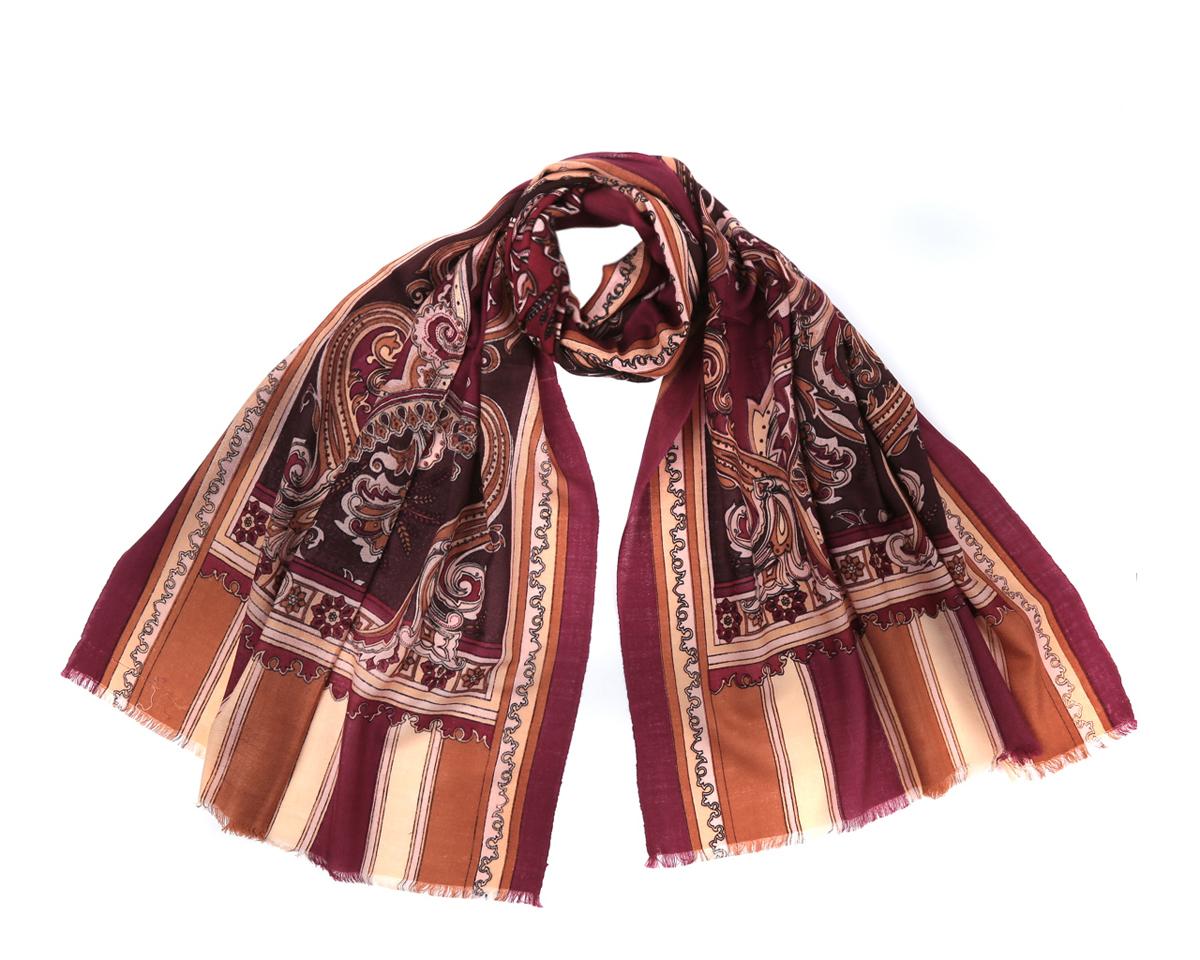 Шарф женский. YNNT0116YNNT0116-5Потрясающий женский шарф Fabretti выполнен из шерсти и украшен актуальным этническим узором. Края модели оформлены коротенькой бахромой. Великолепный женский шарф Fabretti станет вашим верным спутником, а окружающие обязательно будут обращать свое восторженное внимание на вас.