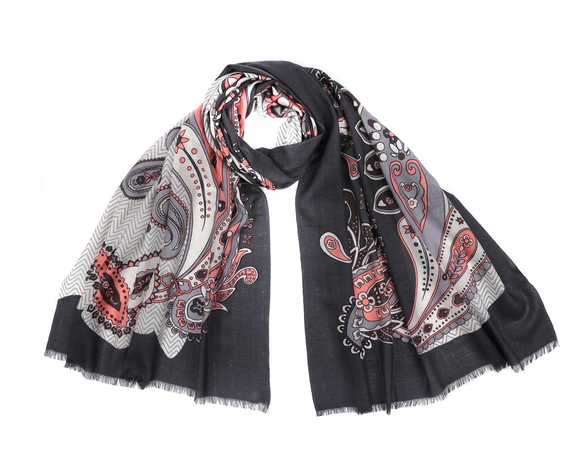 YNNT0407-55Оригинальный шарф из мерсеризованной шерсти Fabretti станет изысканным нарядным аксессуаром и согреет холодными зимними днями! Этнический дизайн полотна придает модели удивительно динамичное и яркое настроение. Края модели оформлены коротенькой бахромой. Этот модный аксессуар женского гардероба гармонично дополнит образ современной женщины в прохладное время года, следящей за своим имиджем и стремящейся всегда оставаться стильной и элегантной.