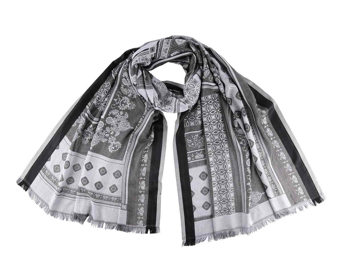 ШарфLR0428-2Потрясающий женский шарф Fabretti выполнен из вискозы и украшен оригинальным узором. Края модели оформлены бахромой. Шарф Fabretti поможет внести живость в любой образ, подарит уют и согреет от холодного ветра.