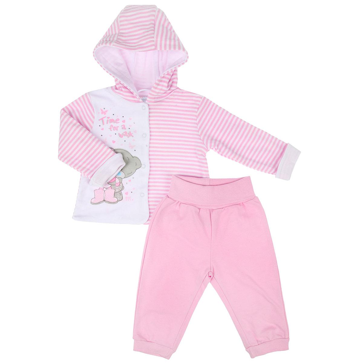Комплект одежды558805Комплект для девочки PlayToday Me To You, состоящий из кофточки и штанишек на широком поясе, идеально подойдет вашей маленькой принцессе. Изготовленный из натурального хлопка, он необычайно мягкий и приятный на ощупь, не сковывает движения ребенка и позволяет коже дышать, не раздражает даже самую нежную и чувствительную кожу малышки, обеспечивая наибольший комфорт. Кофточка с длинными рукавами и капюшоном застегивается на металлические кнопки по всей длине, которые позволяют с легкостью переодеть ребенка. Рукава дополнены отворотами. Оформлено изделие принтом в полоску, а также изображением очаровательного медвежонка и принтовыми надписями на английском языке. Украшена кофточка мелкими стразами. Штанишки, благодаря широкому эластичному поясу, не сдавливают животик ребенка и не сползают, обеспечивая ему наибольший комфорт, идеально подходят для ношения с подгузником и без него. Снизу брючины дополнены неширокими трикотажными манжетами, не пережимающими ножку. В...