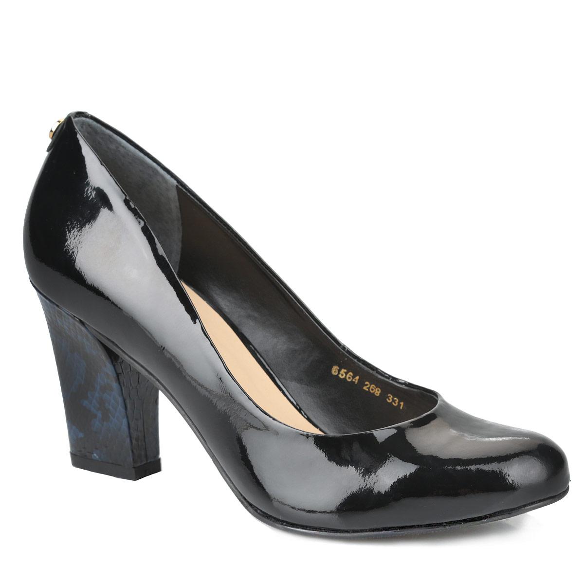 Туфли женские. 6564-268-3316564-268-331Стильные женские туфли от Indiana займут достойное место в вашем гардеробе. Модель выполнена из натуральной лакированной кожи. Задник оформлен круглой металлической пластиной с фирменной гравировкой. Закругленный носок смотрится невероятно женственно. Стелька из натуральной кожи позволит ногам дышать. Каблук оформлен узором, имитирующим змеиную чешую. Подошва оснащена противоскользящим рифлением. Изысканные туфли добавят шика в модный образ и подчеркнут ваш безупречный вкус.