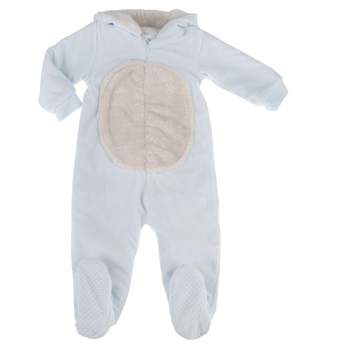 Комбинезон детский. 9020807090208070Очаровательный велюровый комбинезон Chicco - очень удобный и практичный вид одежды для малышей. Комбинезон выполнен из хлопка с добавлением полиэстера, благодаря чему он необычайно мягкий и приятный на ощупь, не раздражает нежную кожу ребенка и хорошо вентилируется, а эластичные швы приятны телу ребенка и не препятствуют его движениям. Подкладка выполнена из мягкого ворсистого материала. Комбинезон с длинными рукавами и закрытыми ножками имеет центральную потайную застежку-молнию от горловины до щиколотки, которая помогает легко переодеть младенца или сменить подгузник. Также предусмотрена внутренняя ветрозащитная планка. Рукава понизу дополнены неширокими трикотажными манжетами, а пяточки присборены на резинку. На стопах имеются прорезиненные вставки, предотвращающие скольжение. Капюшон оформлен оригинальной аппликацией в виде мордочки медвежонка и дополнен декоративными ушками. Спереди предусмотрена вставка из ворсистого материала, что придает изделию оригинальность. С...