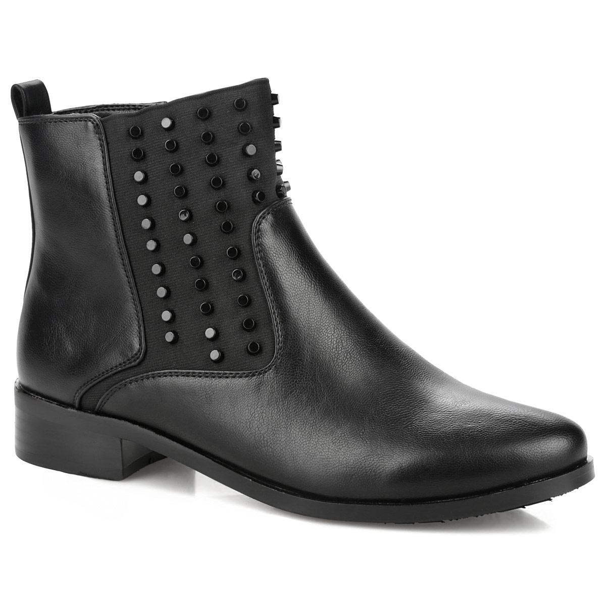 Ботинки женские. 60230-01-1B60230-01-1BМодные ботинки от Inario займут достойное место в вашем гардеробе. Модель выполнена из искусственной кожи и декорирована задним наружным ремнем, на подъеме - металлическими заклепками. Ярлычок на заднике облегчает надевание обуви. Ботинки застегиваются на боковую застежку-молнию. Резинка, расположенная на подъеме, отвечает за оптимальную посадку изделия на ноге. Мягкая подкладка и стелька из байки сохраняют тепло, обеспечивая максимальный комфорт при движении. Невысокий каблук устойчив. Рифленая поверхность каблука и подошвы защищает изделие от скольжения.