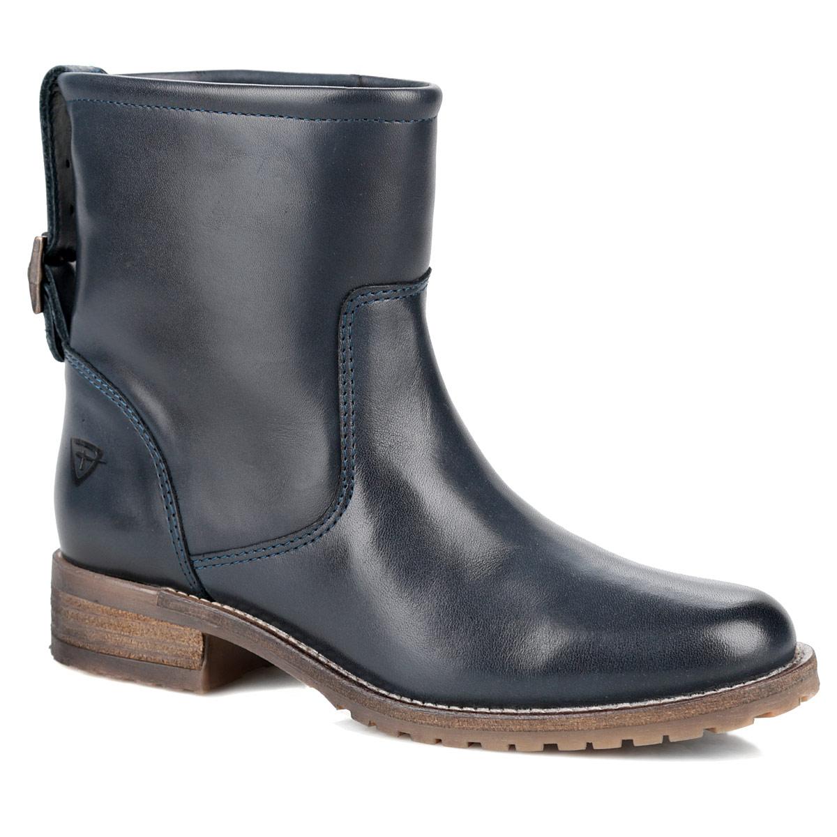 Ботинки женские. 1-1-25463-25-8051-25463-25-805Трендовые женские ботинки от Tamaris придутся вам по душе! Модель изготовлена из натуральной высококачественной кожи и оформлена крупной прострочкой вдоль ранта, на заднике - регулируемым ремешком с металлической пряжкой. Отсутствие застежек компенсировано шириной голенища. Подкладка и стелька из байки сохранят ваши ноги в тепле. Невысокий каблук и подошва стилизованы под дерево. Протектор на подошве и каблуке гарантирует идеальное сцепление на любой поверхности. Стильные ботинки помогут вам создать запоминающийся образ и подчеркнут вашу индивидуальность.