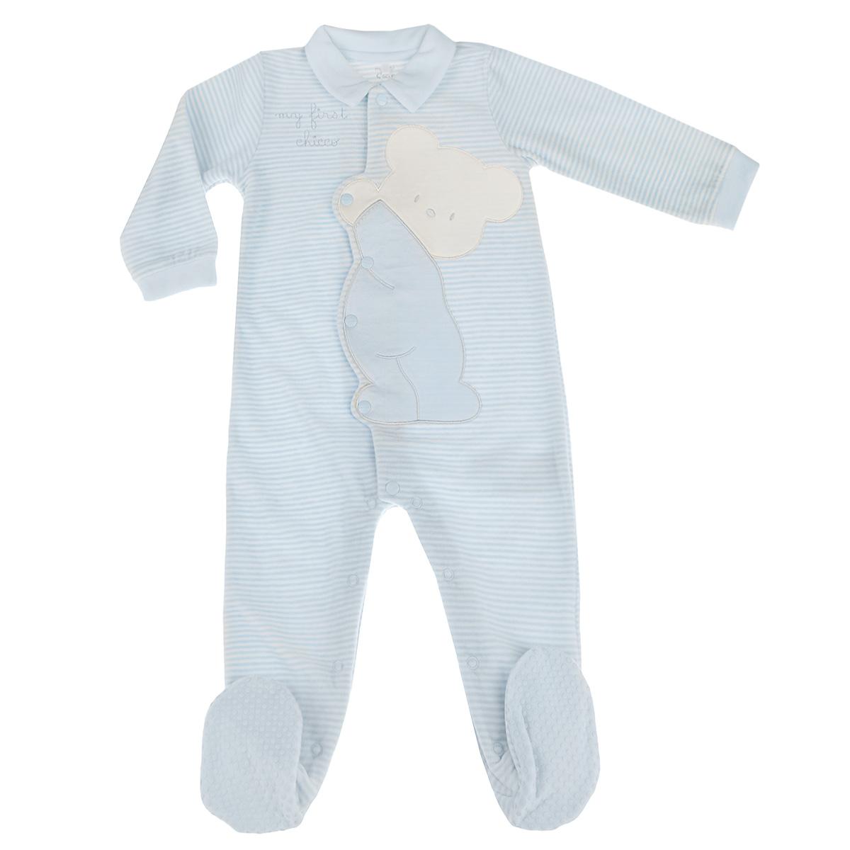 Комбинезон детский. 9020870090208700Очаровательный детский комбинезон Chicco - очень удобный и практичный вид одежды для малышей. Изготовленный из хлопка с добавлением полиэстера, он необычайно мягкий и приятный на ощупь, не раздражает нежную кожу ребенка и хорошо вентилируется, а эластичные швы приятны телу ребенка и не препятствуют его движениям. Велюровый комбинезон с длинными рукавами, отложным воротничком и закрытыми ножками застегивается спереди на металлические застежки-кнопки от горловины до щиколоток, что помогает легко переодеть младенца или сменить подгузник. Края рукавов дополнены эластичными манжетами. Пяточки присборены на тонкие эластичные резинки. На стопах предусмотрены прорезиненные вставки, предотвращающие скольжение. Оформлен комбинезон принтом в полоску, а также очаровательной крупной аппликацией. С этим детским комбинезоном спинка и ножки вашего ребенка всегда будут в тепле. Комбинезон полностью соответствует особенностям жизни младенца в ранний период, не стесняя и не ограничивая его...