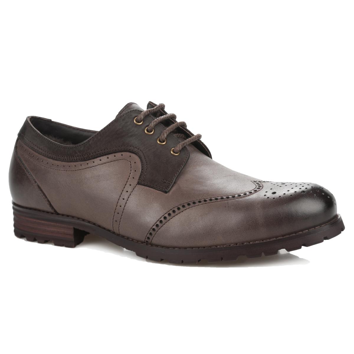 Броги мужские. 104-101-56(M)104-101-56(M)Модные мужские броги от Dino Ricci не оставят вас равнодушным! Модель выполнена из натуральной высококачественной кожи и оформлена декоративной перфорацией, вдоль ранта - прострочкой. Шнуровка прочно зафиксирует обувь. Подкладка и стелька из натурального меха сохранят ваши ноги в тепле. Каблук и подошва с протектором гарантируют идеальное сцепление с любыми поверхностями. Стильные броги займут достойное место среди вашей коллекции обуви.