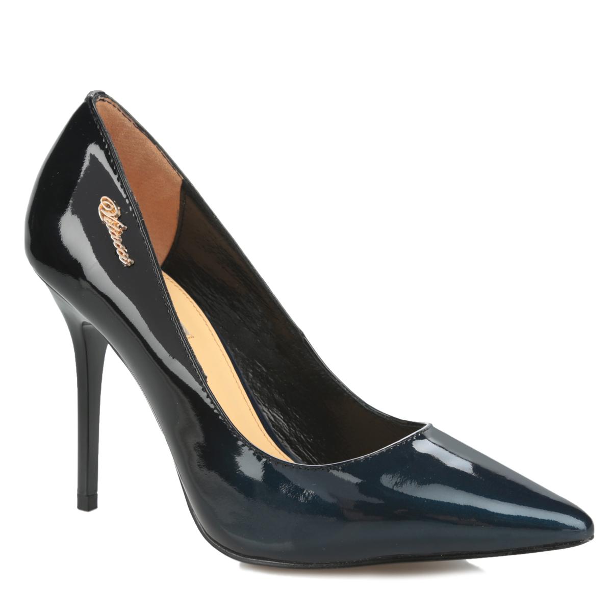 Туфли женские. 7017670176Стильные женские туфли Vitacci займут достойное место в вашем гардеробе. Модель выполнена из натуральной лакированной кожи и оформлена сбоку декоративным элементом в виде названия бренда, выполненного из металла. Зауженный носок добавит женственности в ваш образ. Стелька из натуральной кожи позволит ногам дышать. Подошва с рифлением обеспечит отличное сцепление с любой поверхностью. Изысканные туфли добавят шика в модный образ и подчеркнут ваш безупречный вкус.