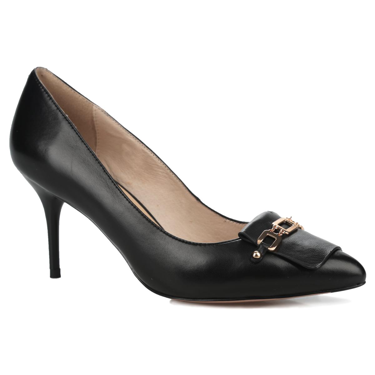 Туфли женские. 227-122-10227-122-10Шикарные женские туфли от Dino Ricci не оставят вас незамеченной! Модель выполнена из натуральной кожи. Мыс оформлен кожаной накладкой, сверху украшенной металлической цепочкой. Зауженный носок смотрится женственно. Стелька и подкладка из натуральной кожи позволяют ногам дышать. Умеренной высоты каблук устойчив. Подошва с противоскользящим рифлением оформлена металлической пластиной с гравировкой в виде названия бренда. Изысканные туфли подчеркнут вашу утонченную натуру.