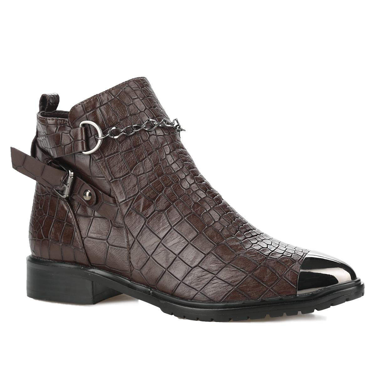 Ботинки женские. 958063/03-02958063/03-02Стильные женские ботинки от Betsy заинтересуют вас своим дизайном с первого взгляда! Модель выполнена из искусственной кожи с декоративным тиснением под рептилию. Подкладка и стелька, изготовленные из мягкого материла - байки, защитят ноги от холода и обеспечат комфорт. Мыс изделия декорирован металлической пластиной. Подъем дополнен оригинальной цепью. Два узких ремня с металлической пряжкой прямоугольной формы украшают одну из боковых сторон и задник. Так же задник декорирован наружным ремнем и ярлычком. Ботинки застегиваются на застежку-молнию, расположенную сбоку. Подошва из полимера с рельефным протектором обеспечивает отличное сцепление на любой поверхности. В этих ботинках вашим ногам будет комфортно и уютно. Они подчеркнут ваш стиль и индивидуальность.