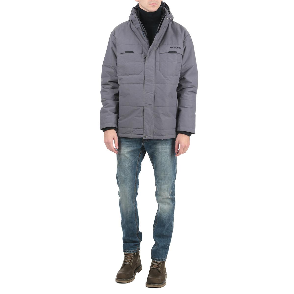 Куртка мужская Mount Tabor Jacket. WM5453-419WM5453-419Стильная мужская куртка Columbia Mount Tabor Jacket подходит для длительных прогулок в прохладную погоду. Куртка обработана водоотталкивающим покрытием и воздухонепроницаема, высококачественный утеплитель поможет сохранить комфорт при температуре до -15 °C. Куртка со съемным капюшоном и воротником-стойкой застегивается на пластиковую застежку-молнию и дополнительно имеет внешнюю ветрозащитную планку на липучках и кнопках. Капюшон пристегивается с помощью кнопок и по краю дополнен скрытой трикотажной эластичной резинкой со специальными фиксаторами. Для большего комфорта подкладка воротника дополнена текстилем. Рукава изделия дополнены трикотажными манжетами, основные манжеты дополнены хлястиками на липучках для регулировки обхвата. Низ изделия дополнен внутренней эластичной резинкой на стопперах. Спереди модель дополнена двумя прорезными карманами на застежках-молниях. С изнаночной стороны имеется прорезной карман на застежке-молнии. На груди модель оформлена вышивкой с названием...