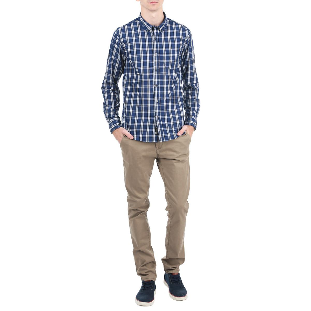 Рубашка10153049_557Стильная рубашка Broadway с длинными рукавами, отложным воротником и застежкой на пуговицы приятная на ощупь, не сковывает движения, обеспечивая наибольший комфорт. Рубашка оформлена ярким клетчатым принтом и накладными карманами. Рубашка, выполненная из хлопка и полиэстера, обладает высокой воздухопроницаемостью и гигроскопичностью, позволяет коже дышать, тем самым обеспечивая наибольший комфорт при носке даже самым жарким летом. Эта модная и удобная рубашка послужит замечательным дополнением к вашему гардеробу.