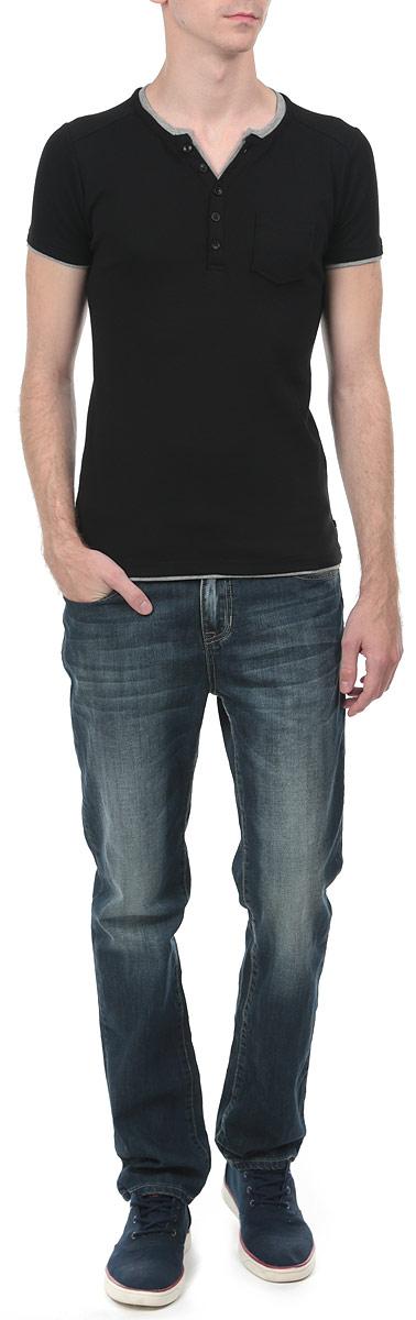 Футболка мужская. 8010277480102774_833Стильная мужская футболка Broadway, выполненная из высококачественного трикотажного материала, обладает высокой воздухопроницаемостью и гигроскопичностью, позволяет коже дышать. Модель с короткими рукавами и круглым вырезом горловины дополнена накладным карманом . Эта футболка - идеальный вариант для создания эффектного образа.