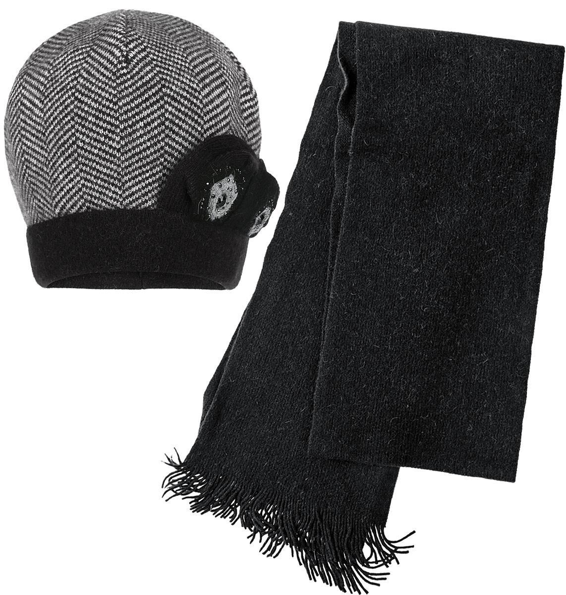 Комплект женский: шапка, шарф. 2013-12013-1-85/60Женский комплект Fabretti, состоящий из шапки и шарфа отлично дополнит ваш образ в холодную погоду. Сочетание шерсти, ангоры и полиамида сохраняет тепло и обеспечивает удобную посадку. Шапка декорирована оригинальными вязаными цветочками и стразами. Великолепный комплект подойдет как для активного отдыха, так и для повседневного гардероба.