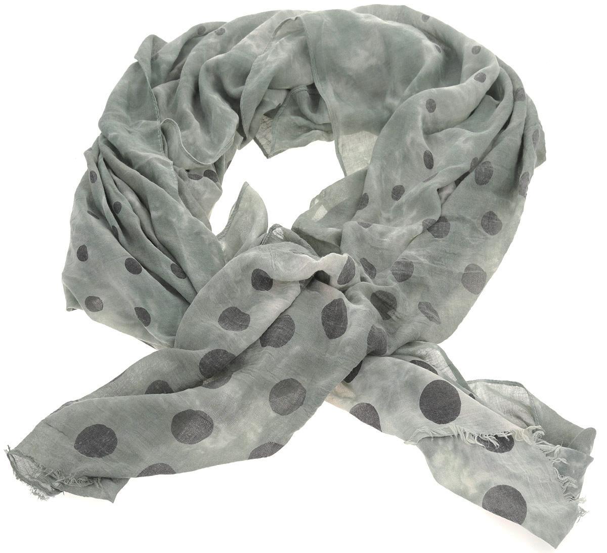 ШарфRW14128-105Элегантный женский шарф Fabretti подчеркнет ваш неповторимый образ. Он выполнен из мягкой стопроцентной вискозы, оформлен горохом темного цвета и по краям декорирован бахромой. Шарф Fabretti поможет внести живость в любой образ, подарит уют и согреет от холодного ветра.