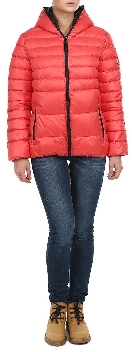 Куртка женская. AL-2630AL-2630Стильная женская куртка Grishko отлично подойдет для прохладной погоды. Утепленная молодежная куртка с удобным капюшоном застегивается на застежку-молнию. Куртка, оформленная эффектной стежкой, дополнена двумя прорезными карманами на молнии. Манжеты рукавов изделия стянуты резинкой, что препятствует проникновению холодного воздуха. Утеплитель выполнен из холлофайбера, который отличается повышенной теплоизоляцией, антибактериальными свойствами, долговечностью в использовании, и необычайно легок в носке и уходе. Изделия легко стираются в машинке, не теряя первоначального внешнего вида. Эта модная куртка послужит отличным дополнением к вашему гардеробу.