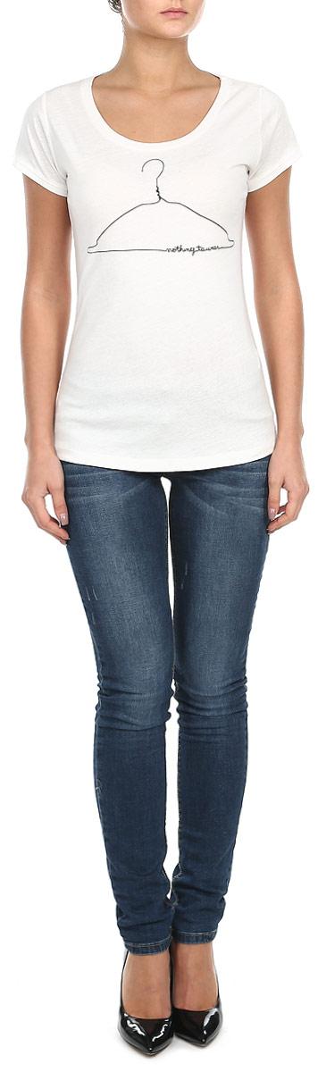 Футболка10153650_01AСтильная женская футболка Broadway, выполненная из хлопка с добавлением вискозы, станет прекрасным дополнением к вашему гардеробу. Материал очень мягкий и приятный на ощупь, хорошо вентилируется. Футболка слегка приталенного кроя с короткими рукавами имеет круглый вырез горловины, дополненный трикотажной резинкой. Изделие оформлено оригинальным принтом. Такая модель будет дарить вам комфорт в течение всего дня и послужит модным и практичным предметом гардероба.