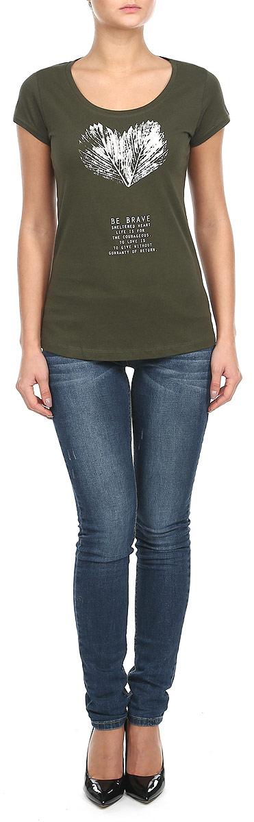 Футболка женская. 1015286610152866_69BСтильная женская футболка Broadway, выполненная из натурального хлопка, прекрасно подойдет для повседневной носки. Материал очень мягкий и приятный на ощупь, не сковывает движения и позволяет коже дышать. Футболка слегка приталенного кроя с короткими рукавами имеет круглый вырез горловины, дополненный трикотажной резинкой. Изделие оформлено оригинальным принтовым рисунком и надписями. Такая модель будет дарить вам комфорт в течение всего дня и станет модным дополнением к вашему гардеробу.