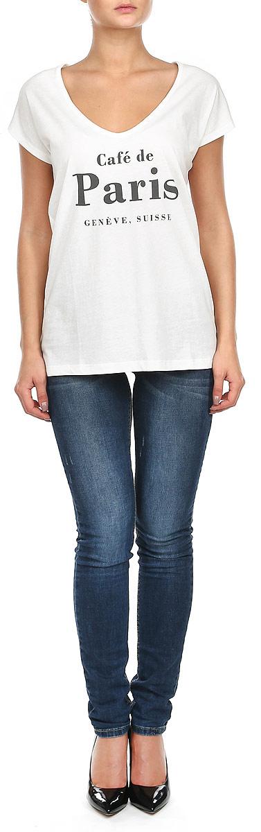 Футболка женская. 1015286910152869_01BСтильная женская футболка Broadway, выполненная из натурального хлопка, прекрасно подойдет для повседневной носки. Материал очень мягкий и приятный на ощупь, не сковывает движения и позволяет коже дышать. Футболка прямого кроя с короткими рукавами-кимоно имеет V-образный вырез горловины. Изделие оформлено принтовыми надписями. Такая модель будет дарить вам комфорт в течение всего дня и станет модным дополнением к вашему гардеробу.