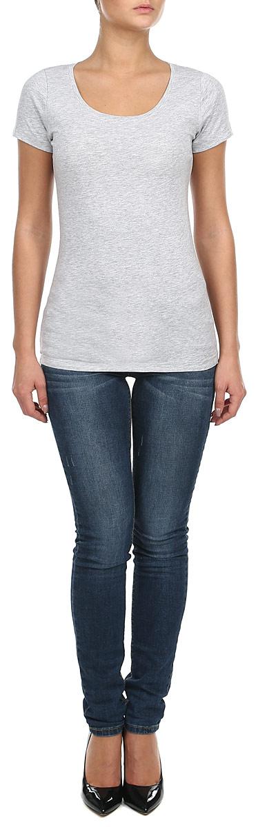 80102674_697Стильная женская футболка Broadway, выполненная из эластичного хлопка, станет прекрасным дополнением к вашему гардеробу. Материал очень мягкий и приятный на ощупь, хорошо вентилируется. Футболка слегка приталенного кроя с короткими рукавами имеет круглый вырез горловины, дополненный трикотажной резинкой. Такая модель будет дарить вам комфорт в течение всего дня и послужит модным и практичным предметом гардероба.