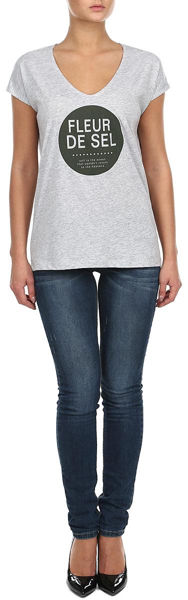 Футболка женская. 10152869 80G/69C10152869_69CСтильная женская футболка Broadway, выполненная из натурального хлопка, прекрасно подойдет для повседневной носки. Материал очень мягкий и приятный на ощупь, не сковывает движения и позволяет коже дышать. Футболка прямого кроя с короткими рукавами-кимоно имеет V-образный вырез горловины. Изделие оформлено принтовыми надписями. Такая модель будет дарить вам комфорт в течение всего дня и станет модным дополнением к вашему гардеробу.