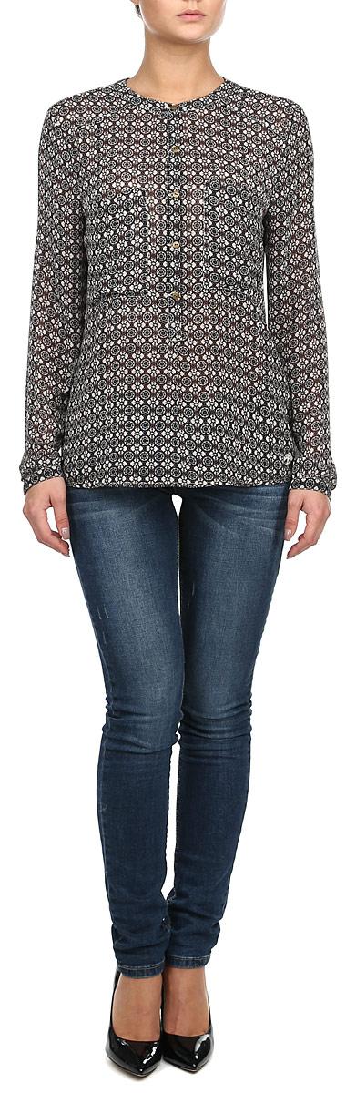 Рубашка женская. 2030573.01.712030573.01.71Стильная женская рубашка Tom Tailor, выполненная из высококачественного полиэстера, - находка для современной женщины, желающей выглядеть стильно и модно. Модель прямого свободного кроя, с полукруглым низом, длинными рукавами, круглым вырезом горловины застегивается на пуговицы до середины изделия. Края рукавов снабжены манжетами на пуговицах. На груди рубашка дополнена двумя накладными карманами. Такая модель, несомненно, понравится ее обладательнице и послужит отличным дополнением к гардеробу.