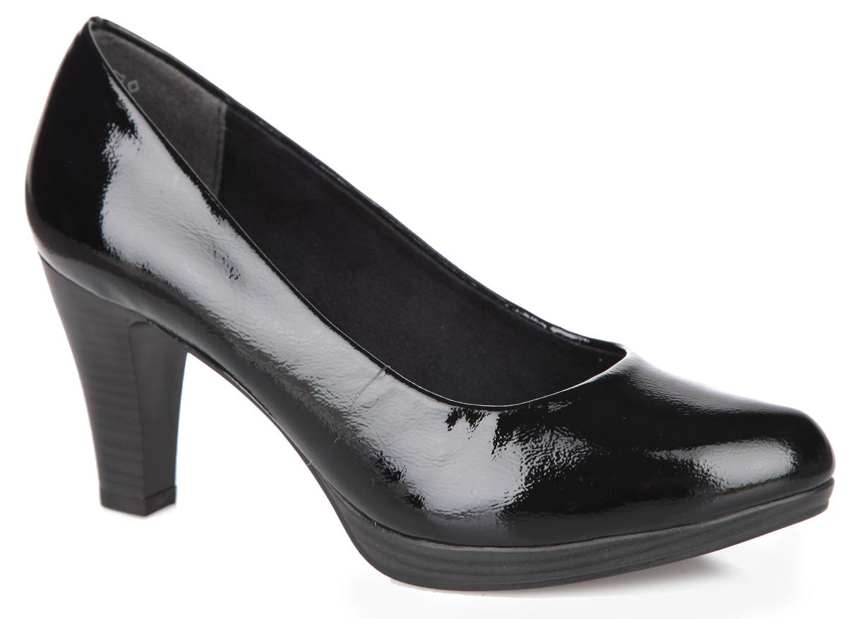 Туфли женские. 2-2-22408-25-0182-2-22408-25-018Оригинальные женские туфли от Marco Tozzi займут достойное место в вашем гардеробе. Модель выполнена из искусственной лакированной кожи. Невероятно мягкая стелька - из искусственной кожи, обеспечивает максимальный комфорт при движении. Зауженный носок добавит женственности в ваш образ. Невысокий каблук устойчив. Резиновая подошва с рифленым протектором не скользит. Изысканные туфли подчеркнут ваш безупречный вкус.