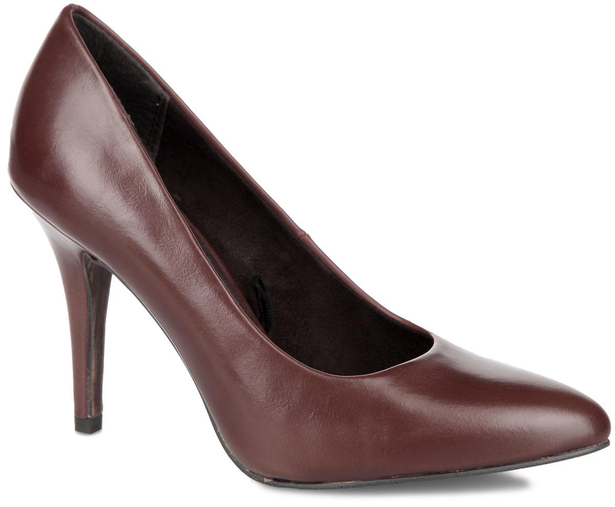 Туфли женские. 2-2-22418-25-3402-2-22418-25-340Элегантные женские туфли от Marco Tozzi займут достойное место в коллекции вашей обуви. Модель изготовлена из высококачественной искусственной кожи. Заостренный носок добавит женственности в ваш образ. Невероятно мягкая стелька - из искусственной кожи и подкладка - из текстиля, обеспечивают максимальный комфорт при движении. Высокий каблук устойчив. Резиновая подошва с рифленым протектором, стилизованная под дерево, не скользит. Изысканные туфли добавят шика в модный образ и подчеркнут ваш безупречный вкус.