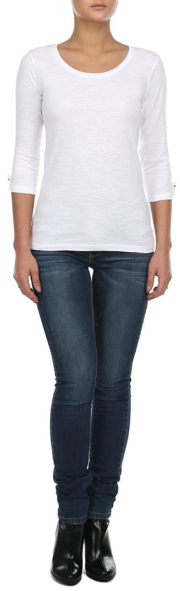 ЛонгсливZ-TL-1806 BLACKСтильный женский лонгслив Moodo, выполненный из 100 % хлопка, позволяет коже дышать. Модель прямого кроя с рукавом 3/4 и круглым вырезом горловины. Рукава дополнены хлястиками на застежках-пуговках. Этот лонгслив - идеальный вариант для создания образа в стиле Casual.