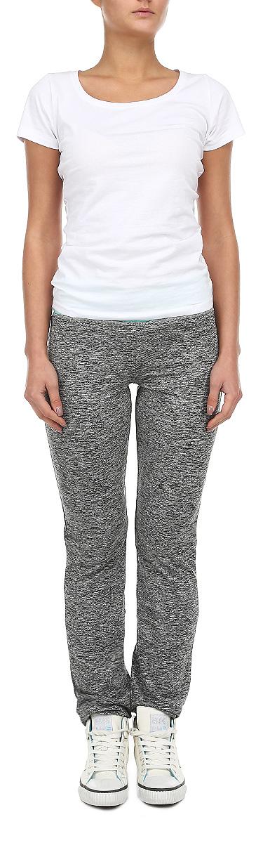 Брюки спортивныеZ-DR-1800 GRAPHITE MELУдобные женские брюки Moodo, выполненные из мягкого эластичного трикотажа, отлично подойдут на каждый день. Модель прямого кроя - настоящее воплощение комфорта, такие брюки не сковывают движений и обеспечивают наибольшее удобство. Пояс брюк дополнен широкой вставкой. Нижняя часть брюк фиксируется кулисками. Эти модные и в тоже время комфортные брюки послужат отличным дополнением к вашему гардеробу. Данные брюки как нельзя лучше подойдут для прогулок и активного отдыха.