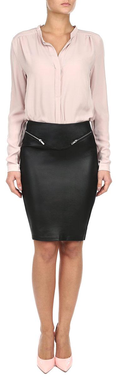 ЮбкаZ-SC-1805 BLACKОригинальная юбка Moodo изготовлена из эластичного материала, приятного на ощупь. Юбка-карандаш длины миди подчеркнет все достоинства вашей фигуры. Лицевая сторона юбки оформлена под кожу и двумя декоративными молниями. Тыльная сторона выполнена из трикотажа. Юбка Moodo - отличный вариант на каждый день.