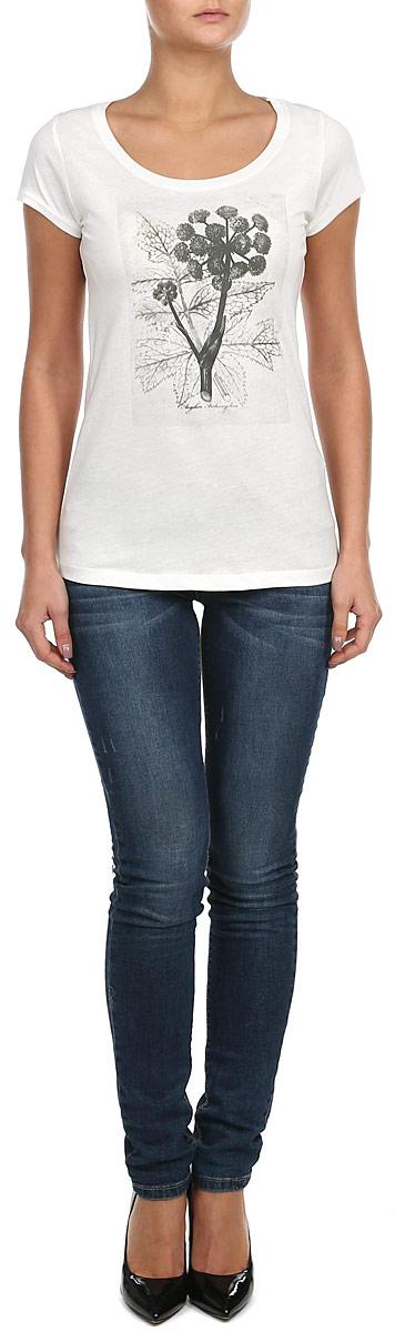 Футболка женская. 10152866 01A10152866_01AСтильная женская футболка Broadway, выполненная из натурального хлопка, прекрасно подойдет для повседневной носки. Материал очень мягкий и приятный на ощупь, не сковывает движения и позволяет коже дышать. Футболка слегка приталенного кроя с короткими рукавами имеет круглый вырез горловины, дополненный трикотажной резинкой. Изделие оформлено оригинальным принтовым рисунком. Такая модель будет дарить вам комфорт в течение всего дня и станет модным дополнением к вашему гардеробу.