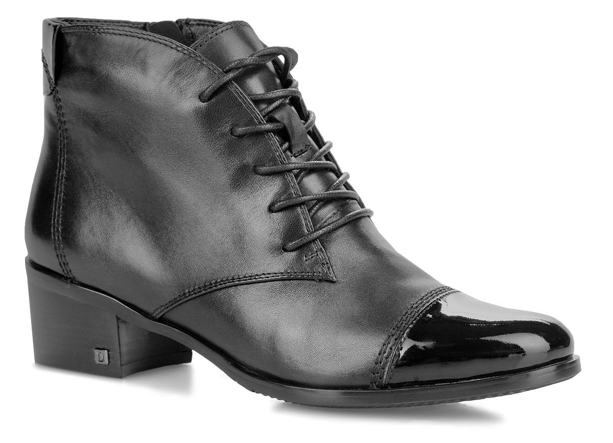 Ботинки женские. W5E47-05-01-01BW5E47-05-01-01BСтильные ботинки от Palazzo Doro заинтересуют вас своим дизайном. Модель выполнена из натуральной кожи. Носок модели оформлен вставкой из лакированной кожи. Подкладка и стелька из байки подарят вашим ногам тепло и уют. Ботинки застегиваются на застежку-молнию, расположенную на одной из боковых сторон. Шнуровка обеспечивает надежную фиксацию обуви на ноге. Каблук средней высоты устойчив. Подошва с рельефным протектором обеспечивает отличное сцепление на любой поверхности. В таких ботинках вашим ногам будет комфортно и уютно. Они подчеркнут ваш стиль и индивидуальность.