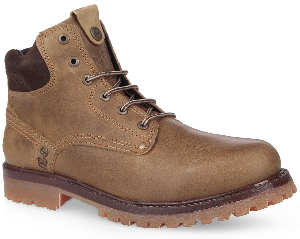 WM122000/F-28Стильные мужские ботинки Yuma Fur от Wrangler покорят вас своим удобством! Модель изготовлена из натуральной кожи и оформлена вдоль ранта - крупными декоративными швами, вдоль канта - вставкой из натуральной замши. Язычок и задник дополнены фирменным тиснением. Шнуровка прочно зафиксирует обувь на вашей ноге. Подкладка и стелька из искусственного меха подарят вашим ногам тепло и уют. Каблук и подошва с протектором гарантируют идеальное сцепление с любыми поверхностями. В таких ботинках вашим ногам будет комфортно и уютно.