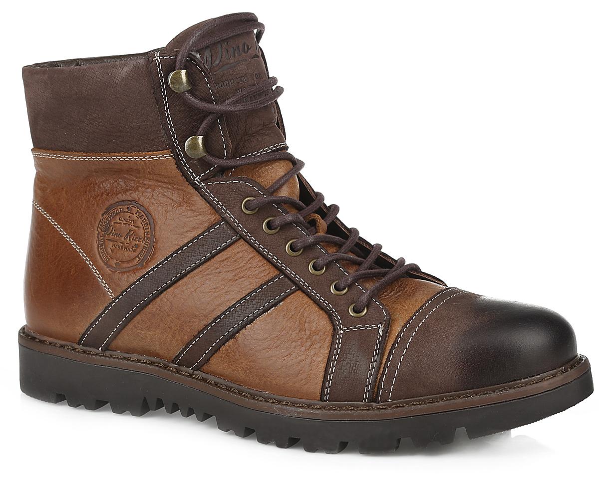 728-102-01(M)Стильные мужские ботинки от Dino Ricci - отличный вариант на каждый день. Модель выполнена из натуральной кожи и оформлена крупной прострочкой вдоль ранта. Сбоку и на язычке модель дополнена фирменным тиснением. Застегиваются ботинки на боковую застежку-молнию. Шнуровка прочно фиксирует модель на ноге. Подкладка и стелька, выполненные из натурального меха, не дадут вашим ногам замерзнуть. Подошва с рельефным протектором защищает изделие от скольжения. Модные и удобные ботинки займут достойное место среди вашей коллекции обуви!