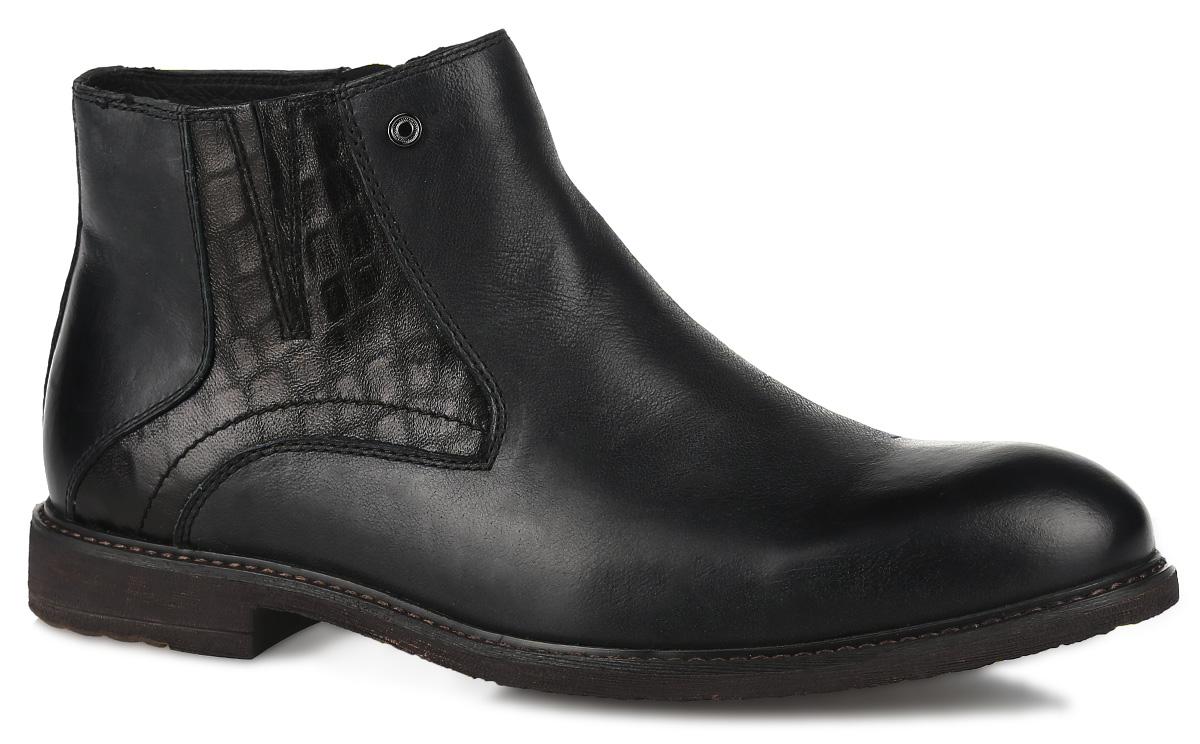 Ботинки мужские. 109-101109-101-01(M)Стильные мужские ботинки от Dino Ricci - отличный вариант на каждый день. Модель выполнена из натуральной кожи с вставкой из кожи с декоративным тиснением и оформлена прострочкой вдоль ранта. Застегиваются ботинки на боковую застежку-молнию. Подкладка и стелька, выполненные из натурального меха, не дадут вашим ногам замерзнуть. Подошва с рельефным протектором защищает изделие от скольжения. Модные и удобные ботинки займут достойное место среди вашей коллекции обуви!