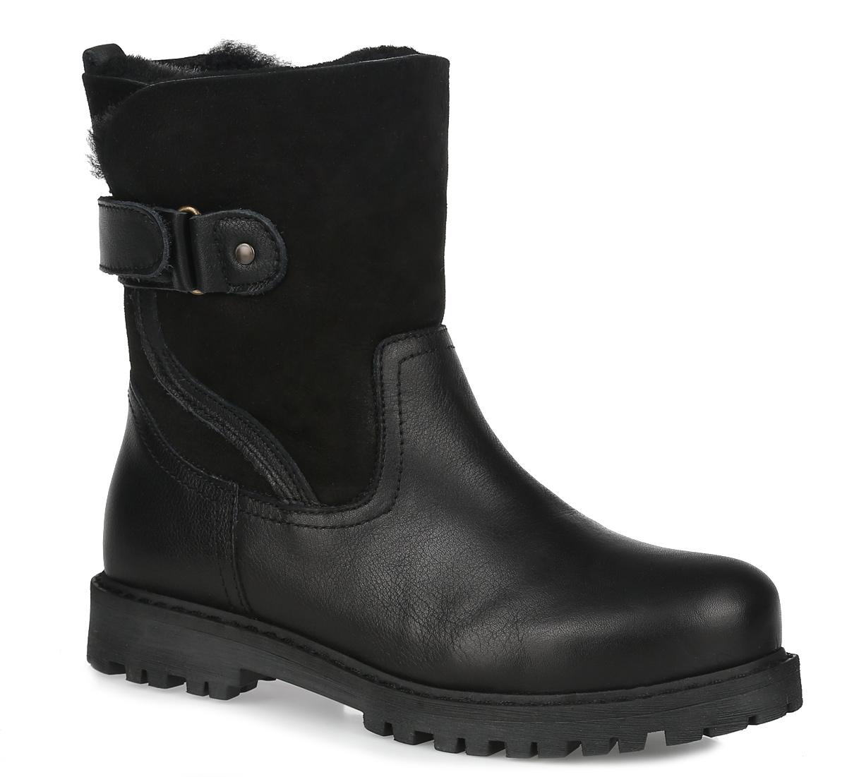 Ботинки женские. 1-1-26434-25-0011-1-26434-25-001Стильные женские ботинки от Tamaris заинтересуют вас своим дизайном. Модель выполнена из натуральной кожи и оформлена прострочкой вдоль ранта. Подкладка и стелька из искусственного меха согреют ваши ноги. Застегиваются ботинки на кожаный хлястик с липучкой. Подошва с рельефным протектором обеспечивает отличное сцепление на любой поверхности. В таких ботинках вашим ногам будет комфортно и уютно. Они подчеркнут ваш стиль и индивидуальность.