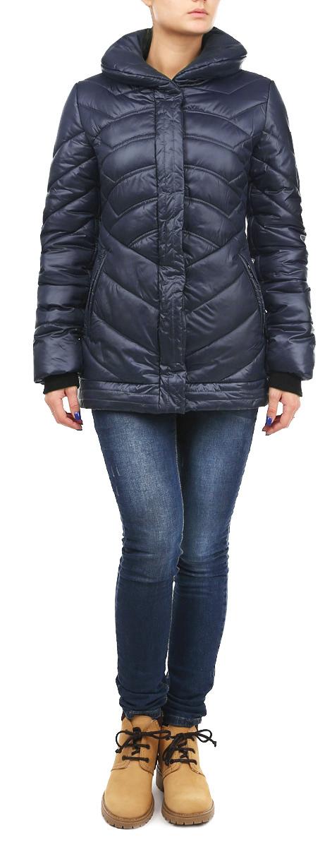 КурткаAL-2635Теплая женская куртка Grishko с эффектной декоративной отстрочкой согреет вас в прохладное время года. Модель с длинными рукавами и отложным воротником имеет наполнитель из 100% холлофайбера. Холлофайбер - утеплитель, который отличается повышенной теплоизоляцией, антибактериальными свойствами, долговечностью в использовании, и необычайно легок в носке и уходе. Модель застегивается на застежку-молнию спереди и оснащена ветрозащитным клапаном на кнопках. Куртка дополнена двумя втачными карманами на молниях спереди, рукава оснащены трикотажными манжетами. Эта модная и в то же время комфортная куртка - отличный вариант для прогулок, она подчеркнет ваш изысканный вкус и поможет создать неповторимый образ.