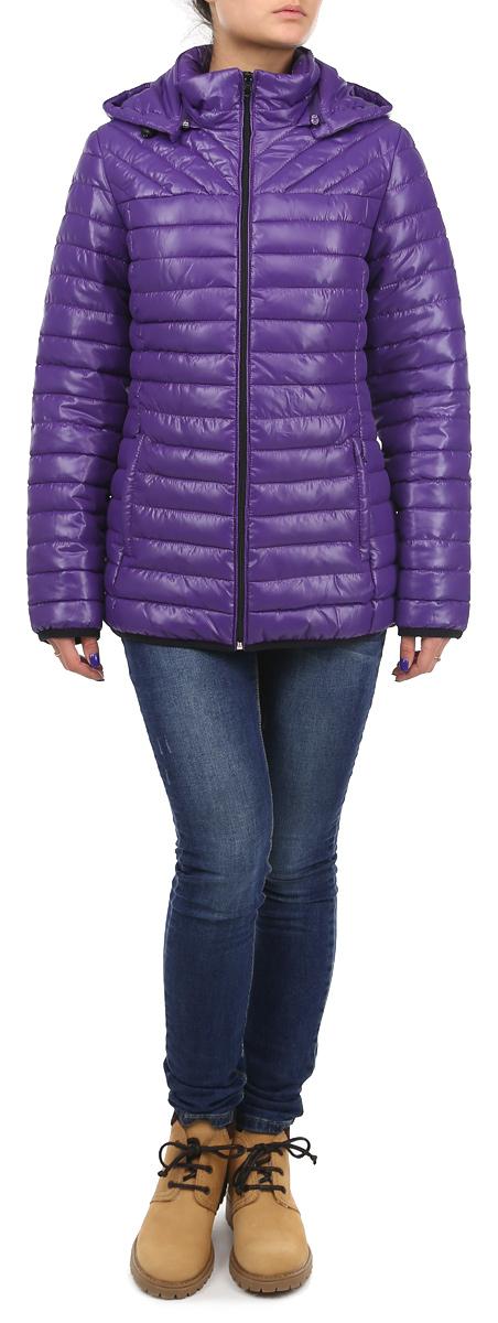 КурткаAL-2633Практичная и модная женская куртка Grishko согреет вас в прохладное время года. Модель с длинными рукавами и воротником-стойкой имеет наполнитель из 100% холлофайбера. Холлофайбер - утеплитель, который отличается повышенной теплоизоляцией, антибактериальными свойствами, долговечностью в использовании, и необычайно легок в носке и уходе. Модель застегивается на застежку-молнию спереди и оснащена съемным капюшоном на молнии, объем которого регулируется при помощи шнурка-кулиски. Куртка дополнена двумя втачными карманами на молниях спереди и одним внутренним втачным карманом на молнии. Эта модная и в то же время комфортная куртка - отличный вариант для прогулок, она подчеркнет ваш изысканный вкус и поможет создать неповторимый образ.