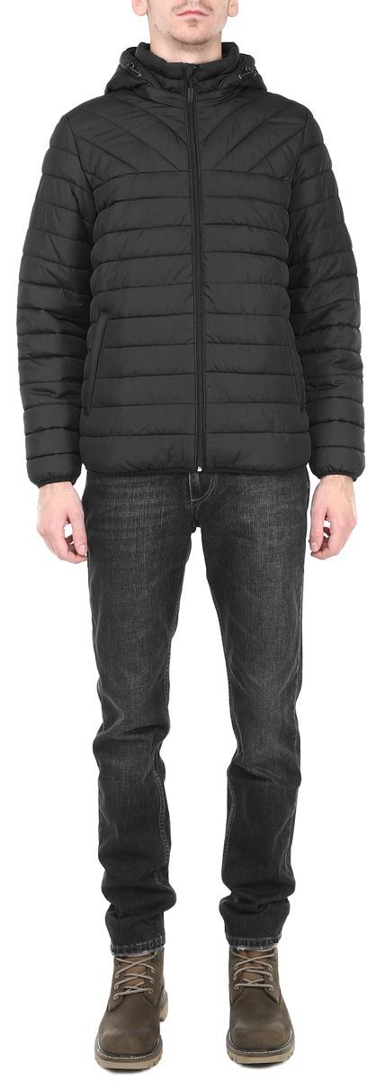 Куртка мужская. AL-2651AL-2651Практичная и модная мужская куртка Grishko согреет вас в прохладное время года. Модель с длинными рукавами и воротником-стойкой имеет наполнитель из 100% холлофайбера. Холлофайбер - утеплитель, который отличается повышенной теплоизоляцией, антибактериальными свойствами, долговечностью в использовании, и необычайно легок в носке и уходе. Модель застегивается на застежку-молнию спереди и оснащена съемным капюшоном на молнии, объем которого регулируется при помощи шнурка-кулиски. Куртка дополнена двумя втачными карманами на молниях спереди и одним внутренним втачным карманом на молнии. Рукава и низ куртки дополнены узкими эластичными резинками, которые надежно защитят вас от ветра. Эта модная и в то же время комфортная куртка согреет вас в прохладные дни и отлично подойдет как для прогулок, так и для занятия спортом.