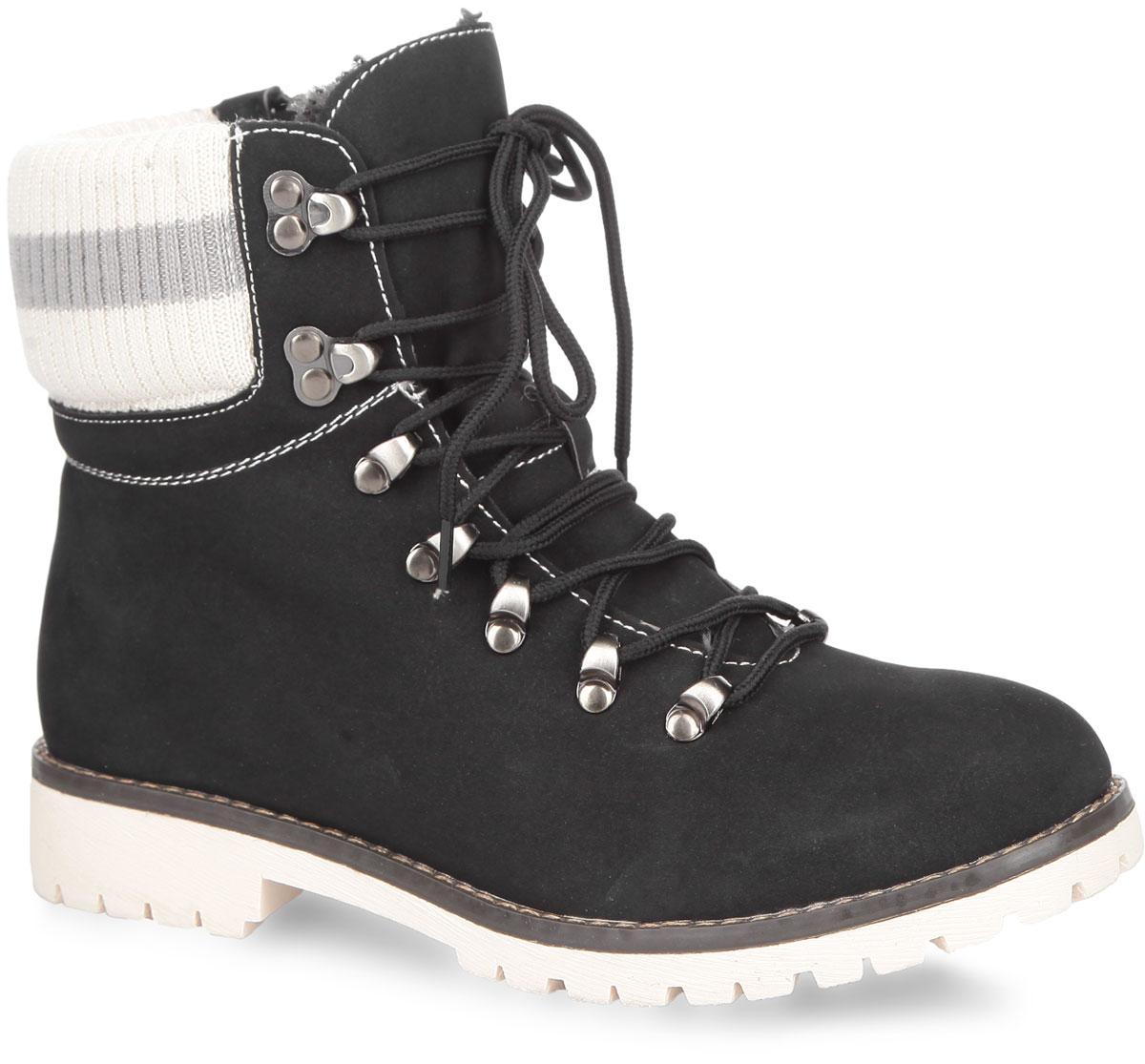 Ботинки женские. 858327/20-09858327/20-09Модные женские ботинки от Keddo покорят вас своим удобством. Модель выполнена из высококачественного искусственного нубука и оформлена контрастной прострочкой. Голенище дополнено текстильной вставкой. Ботинки застегиваются на боковую застежку-молнию. Шнуровка надежно фиксирует обувь на ноге. Подкладка и стелька, исполненные из искусственной шерсти, сохранят ваши ноги в тепле. Каблук и подошва с протектором обеспечивают отличное сцепление на любой поверхности. Такие ботинки идеально подойдут для повседневного использования. Они подчеркнут ваш стиль и индивидуальность.