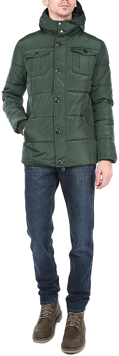 Куртка мужская. 1013103610131036 678-dark greenСтильная мужская куртка Broadway - отличное решение для прохладной погоды. Куртка выполнена из плотного быстросохнущего материала. Модель прямого кроя, застегивается на двустороннюю застежку-молнию с ветрозащитным клапаном на пуговицах. Регулируемый съемный капюшон с козырьком и эластичные манжеты станут дополнительной защитой от ветра и холода. Спереди куртка дополнена двумя втачными карманами на молниях и двумя накладными нагрудными карманами на пуговицах. С внутренней стороны предусмотрены накладной карман для мобильного телефона и врезной карман на молнии для хранения небольших предметов. В такой куртке вам будет уютно, тепло и комфортно в любую погоду.