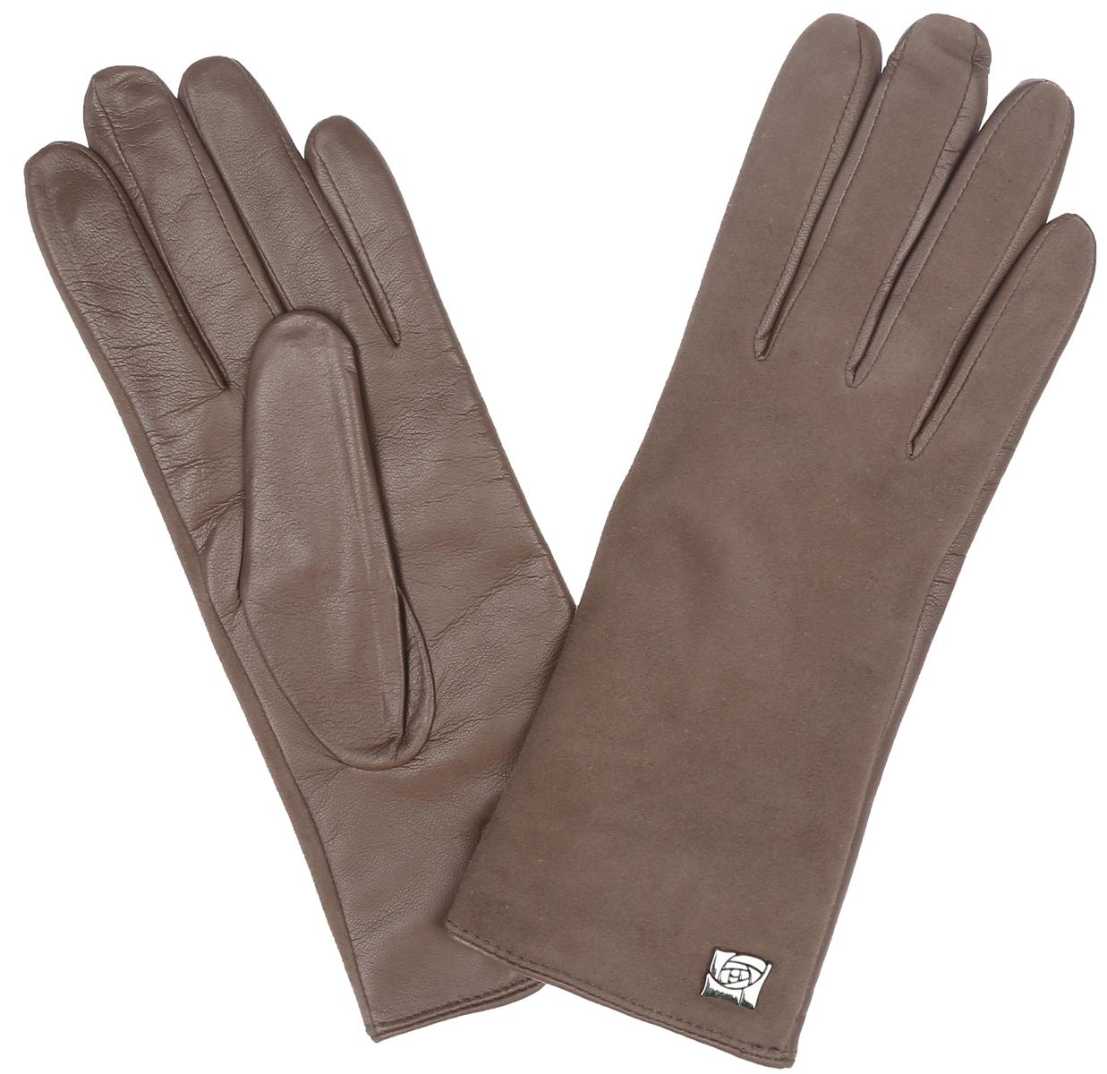 Перчатки женские. IS992IS992Классические женские перчатки Eleganzza - первая необходимость в осенне-зимний период. Выполненные из комбинированной кожи на подкладке из шерсти, они необыкновенно мягкие и приятные на ощупь. Лицевая сторона изделия с бархатистой поверхностью украшена декоративным элементом в виде розы. Тыльная сторона дополнена аккуратным разрезом. Потрясающие женские перчатки Eleganzza подойдут романтичным особам с тонким вкусом, они защитят руки от холода и ветра, сохраняя их красоту.