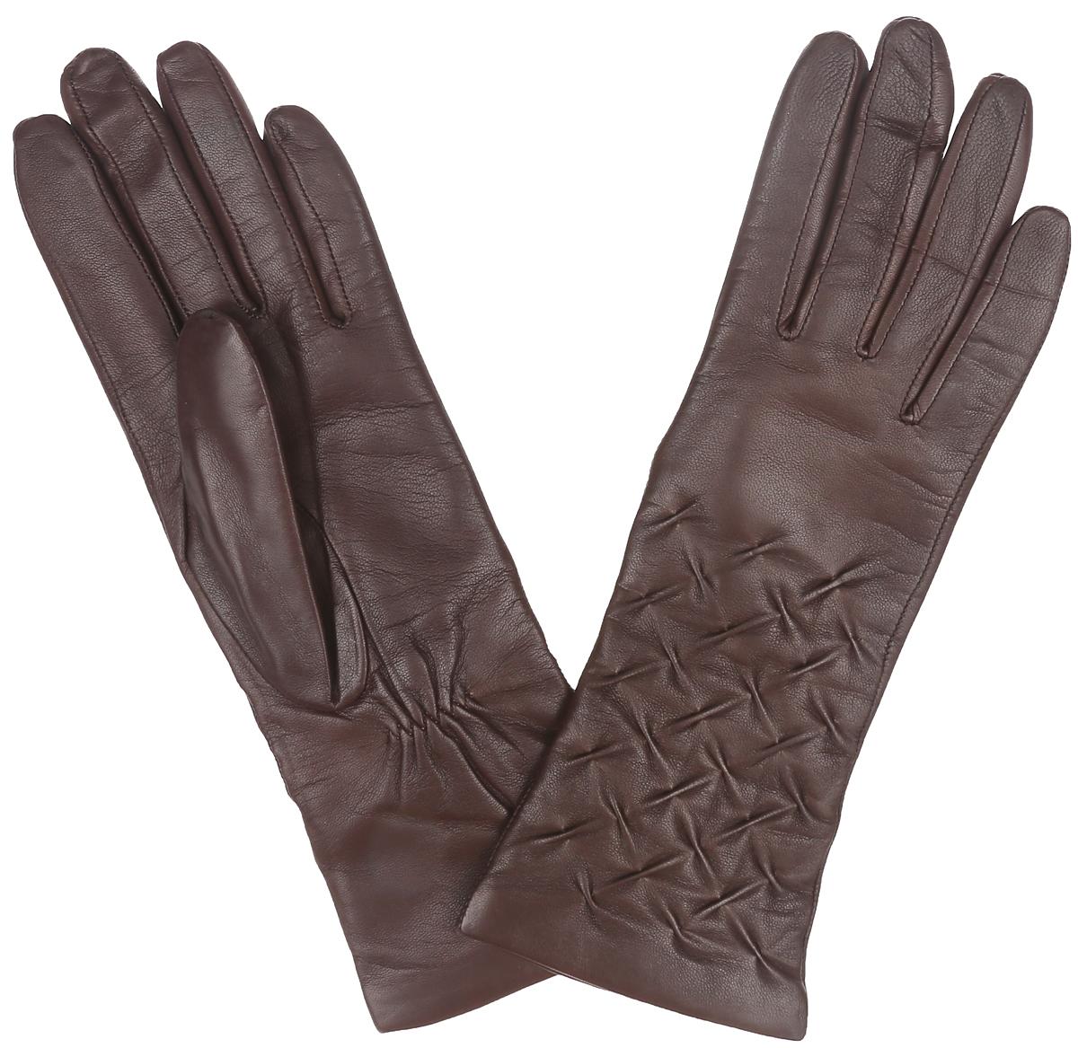Перчатки женские. IS125-shIS125-shКлассические женские перчатки Eleganzza идеально подойдут для модниц с узкой ручкой. Перчатки выполнены из необыкновенно мягкой и приятной на ощупь кожи ягненка, а их подкладка - из натуральной шерсти с добавлением кашемира. Лицевая сторона украшена декоративным тиснением. Тыльная сторона дополнена резинкой для оптимальной посадки модели на руке. Потрясающие женские перчатки Eleganzza подойдут романтичным особам с тонким вкусом. Но самое главное - они защитят руки от холода и ветра, сохраняя их красоту.
